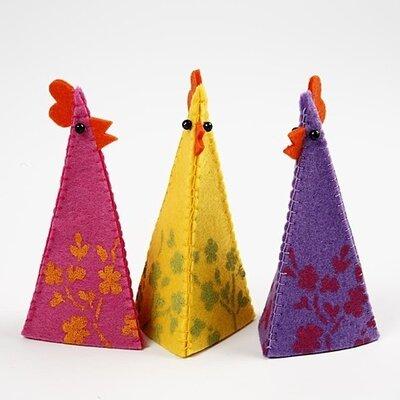 Grote Kippen uit dik vilt en Eierwarmers