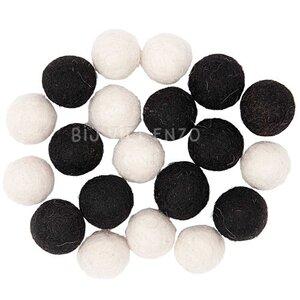 Mix Zwart Wit Viltballetjes 15 mm Bij vilt enzo